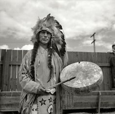 Molalla Buckeroo: 1936 (Shorpy Photo Archive - Old Pictures, Better Than New) Native American Photos, American Indian Art, Native American History, American Pride, Native American Indians, Shorpy Historical Photos, Cowboys And Indians, Indian Heritage, Native Indian