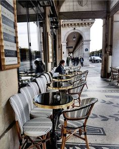 I sat right there when I was in Paris last summer. Can't wait to go back to Paris! Oh Paris, Paris Chic, I Love Paris, Paris France, Summer In Paris, Visit New Orleans, Paris Travel Tips, Parisian Cafe, French Cafe