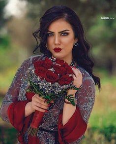 جلي كوردي شاز Jli Kurdi, Beautiful Eyes, Color Splash, Blonde Hair, Like4like, Hair Cuts, Hair Color, Saree, Kurdistan