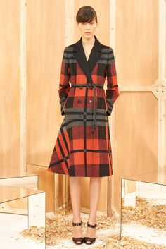 http://www.style.com/slideshows/fashion-shows/pre-fall-2015/sportmax/collection/7