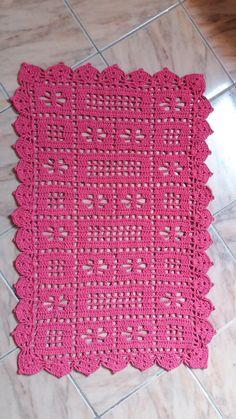 Tapetes crochê Filet Crochet, Crochet Motifs, Crochet Squares, Crochet Doilies, Crochet Patterns, Crochet Curtains, Crochet Pillow, Cotton Crochet, Baby Blanket Crochet