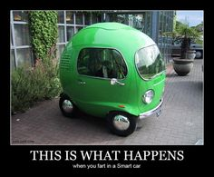 Isn't this funny? Ist das nicht lustig? (Der Text sagt: Das passiert, wenn man in einem kleinen Auto furzt)
