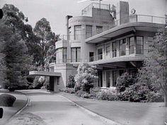 Nice example of Streamline Art Deco architecture