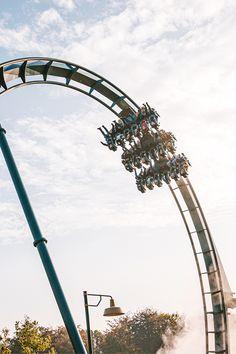 Wie neem jij graag mee in Baron 👭🤩 Roller Coasters, Baron, Outdoor Gardens, Diving, Fair Grounds, Bedroom, Summer, Travel, Amusement Parks