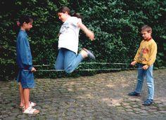 In der Pause reichte ein einziges Band zum Spielen: | 49 Bilder, die niemand versteht, der nicht in Deutschland aufgewachsen ist