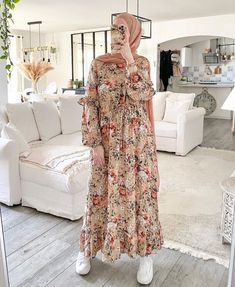 Modest And Classy Long Dresses That Will Make You Look Effortlessly Classy - Image:@luciie.nour- Keep Reading To Get Some Great Inspirational Looks - Modern Street Style - Hijab Fashion Inspiration - Hijab Summer Dress - Street Style Outfit - Casual Modest Dress - Muslim Girls Inspiration Instagram - Hijabi Outfits Casual - Modest Fashion Muslimah - Modest Dresses - Hijab Fashion Summer - Simple Summer Outfits - #longsleevedress #chichijab #casualdressesforsummer #hijab #muslimah #hijaboutfit Habits Musulmans, Islamic Clothing, Hijab Fashion Summer, Fashion Muslimah, Modest Fashion, Elegant, Instagram, Modest Dresses, Long Dresses