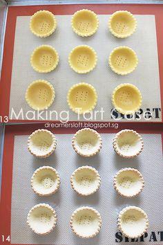 DreamersLoft: Hokkaido Bake Cheese Tart Bake Cheese Tart, Cheese Tarts, Tart Recipes, Sweet Recipes, Hokkaido Baked Cheese Tart, Cheesecake Pancakes, Chinese New Year Cookies, Cheese Tasting, Custard Cake