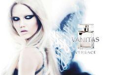 Vanitas by Versace - Composição luminosa e fresca, criada com notas brilhantes de cal, onda floral de tiare e freesia, com tonka e acordes amadeirados de cedro.