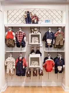 Carter's New Location and Baby Concept Store at Mall of America {Giveaway} Carters Mall of America Wall 3 Boutique Decor, Boutique Interior, Kids Boutique, Shop Interior Design, Clothing Store Interior, Clothing Store Displays, Clothing Store Design, Kids Clothing, Shoe Store Design