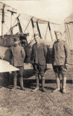 Adkins & Shuter beside their trusty BE 2d,number 4522, at Lahana in 1916-1917.