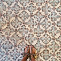 Matchy, matchy tiles and sandals look good here. Floor Patterns, Tile Patterns, Textures Patterns, Pretty Patterns, Stoff Design, House Tiles, Decoration Inspiration, Style Tile, Tile Design