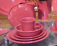 My new dinnerware.Fiestaware in Flamingo.a pink coral! Pink Dishes, Fiesta Colors, Kitchenware, Tableware, Homer Laughlin, Pink Houses, Pink Flamingos, Interior Design Living Room, Kitchen Dining