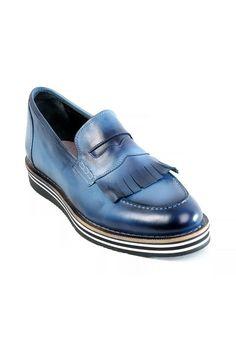 Boy Uzatan Ayakkabı olarak üretilmiş bu muhteşem model aynı zamanda ceylan derisinden imal edilmiştir. Vip ürün standartlarından bu özel ürüne www.gizlitopuklar.com üzerinden sahip olarabilirsiniz.