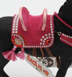 Handmade Arabian Dancing Horse Tack Cheval for Schleich Model Breyer Horses, Horse Tack, Horse Halters, Diy Arts And Crafts, Diy Doll, Cute Cats, Creations, Country, Model
