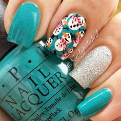 Tiled Snowmen Accent Nail | #christmasnails #nailart #christmasnailart #xmasnails