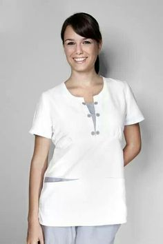 Modelo 4208 uno de los básicos de nuestra marca :) Housekeeping Uniform, Spa Uniform, Dress Patterns, Scrubs, Work Wear, Nurse Uniforms, Mens Tops, Clever, America