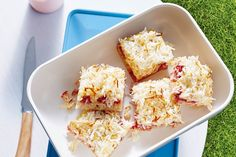 After the excesses of the festive season, guilt-free desserts and snacks are top of mind. It's time to cook Shannon Harley's healthy, refined-sugar free, work-lunch appropriate raspberry, lemon and coconut slice.