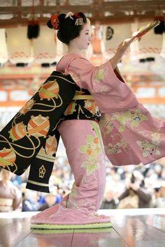 """だらりの帯(舞子) - darari no obi (Maiko) - lett. """"far ciondolare l'obi"""""""
