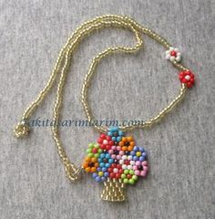 The Beading Gem's Journal: Easy Beaded Vase of Flowers Pendant Tutorial Seed Bead Patterns, Beaded Jewelry Patterns, Beaded Rings, Beaded Necklace, Beaded Bracelets, Beaded Lace, Necklaces, Bead Jewellery, Seed Bead Jewelry