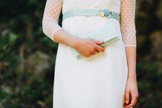 Ich freue mich immer wieder aufs Neue, wenn die neue Saison sozusagen losgeht und tolle Designer Labels ihre neuen Brautmode Kollektionen ... Wedding Dress, Trends, Modern, Hai, Bride, Designer, Clutches, Dresses, Unique Dresses