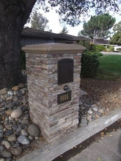 Bronze Arch column mailbox with address plate and light. Aluminum mailboxes for stone columns. Larson Landscape - San Jose, CA, United States Mailbox Landscaping, Outdoor Landscaping, Dream Home Design, House Design, Driveway Entrance, Driveway Ideas, Entrance Gates, Stone Mailbox, Home Mailboxes