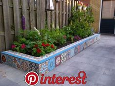 ideas raised patio landscaping border for 2019 Concrete Bird Bath, Cement Patio, Cement Tiles, Patio Paint, Outdoor Projects, Garden Projects, Outdoor Decor, Backyard Patio Designs, Backyard Landscaping