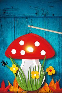 Dieser Fliegenpilz ist garantiert nicht giftig! Dafür leuchtet er beim St. Martins-Umzug. So wird die Pilz-Laterne gebastelt. Mit Gratis-Vorlage zum Download. © 2015 Christophorus Verlag GmbH & Co