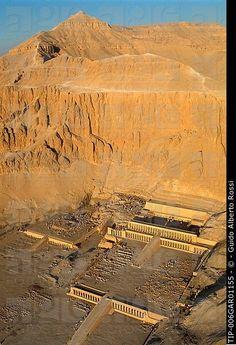 Temple of Deir El Bahari. Ancient Ruins, Ancient Egypt, Ancient History, Egyptian Temple, Egyptian Art, Ancient Mesopotamia, Ancient Civilizations, Places In Egypt, Places To Go