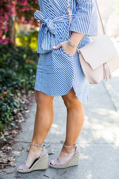 Perfect Striped Dress for Spring - would make such a cute Easter dress! Click through for more of this spring outfit idea.