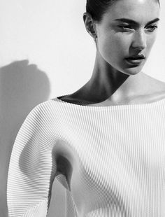 pure white : May 2014 | Fashion + Photography | Vogue Japan |