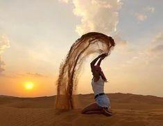 Dubai Desert, Vereinigte Arabische Emirate   - t r a v e l ✈ - #Arabische #Desert #Dubai #Emirate #Vereinigte Desert Photography, Photography Poses, Travel Photography, Dubai Vacation, Dubai Travel, Foto Dubai, Photo Desert, Dubai City, Dubai Uae