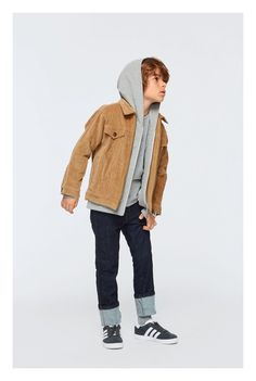 Boys clothes - Urban design and high quality kids clothes Family Outfits, Casual Fall Outfits, Boy Outfits, Black Kids Fashion, Boy Fashion, Clothing Sites, Kids Clothing, Simple Shirts, Basic Tops
