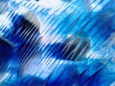 Des effets de marbrure réalisés avec une facilité étonnante... Voici une technique simple, à découvrir très vite...  Alizarine :...