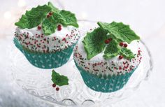 Holly leaves and berries cupcakes