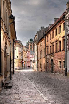 Kraków, Kanonicza Street by JerzyW, via Flickr