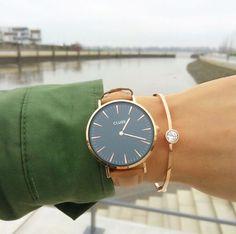 """Wer ein modisches Accessoire sucht, kommt an Armbanduhren von Cluse nicht vorbei. Dies sieht auch """"sinihfashion"""" so (wir haben das Bild auf ihrem Instagram Account gefunden: https://www.instagram.com/sinihfashion/)  Armbanduhren von Cluse findet Ihr bei uns im Shop:  https://www.uhrcenter.de/uhren/cluse/  #Cluse #Fashion #wristselfie #Accessoire #watch #Uhr #Damenuhr #Armbanduhr #like #hot #modern #uhrcenter #Geschenkidee #picoftheday #photooftheday #modern"""