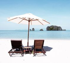 I'd like to be here... #lankawi #malaysia #visitmalaysia #islandlife #experiencemalaysia #instatravel #travelgram #canonglobal #traveldreaming #wanderlust #travels #igers #instagood #searchwandercollect #inspiremyinstagram #lifeofadventure #planetwanderlust #instapics #traveldreaming #latergram #asia #sunset #mondolöytö