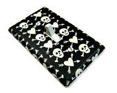 Hearts and Skull Halloween Decor Light Switch Cover Black and White Rockabilly Switchplate Switch Plate LAST ONE 2