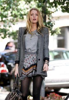 Minigonna e blazer di di Serena Van Der Woodsen