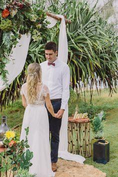 Stunning Beachside Floral Arch | Sunshine Coast Pop Up Weddings | Beach Ceremony | Boho Bride