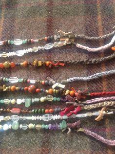 Collares piedra natural y seda teñida a mano