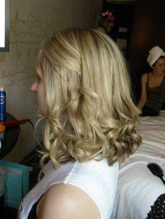 Beautiful big loose curls created by @Scissors of Oz #scissorsofoz #bridesmaidhair