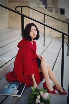 Abrigo rojo hermoso
