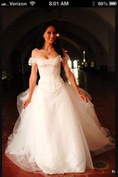 Phantom of the Opera inspired wedding dress. Wow! I wouldn't do something that similar to the movie, but it's amazing!