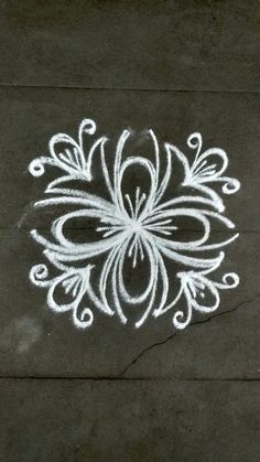 Small Rangoli Design, Beautiful Rangoli Designs, Kolam Designs, Mandala Design, Rangoli Borders, Rangoli Patterns, Rangoli Ideas, Simple Mandala, Simple Rangoli