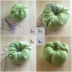 naturallyestes: Easy DIY Fabric Pumpkins