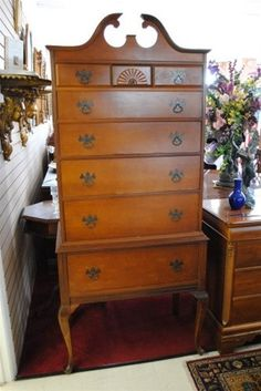 Antique, Beautiful Queen Anne Style, Maple Highboy Chest, Dresser, Very Nice!