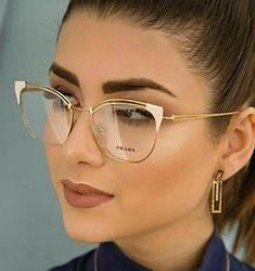 Blue light glasses not only look cute AF, they help soothe tired eyes Clear Glasses Fashion, Fake Glasses, Rose Gold Glasses, Cat Eye Glasses, Eyeglasses For Women, Sunglasses Women, Glasses Frames Trendy, Glasses Trends, Lunette Style