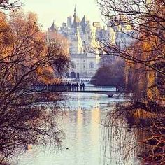 16 Breathtaking Walks To Take In London -Royal London Walk! & East end