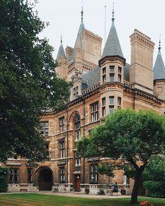 University of Cambridge England – architecture Cambridge England, Oxford England, England Uk, London University, Cambridge University, King University, Harvard University, Places To Travel, Places To Visit